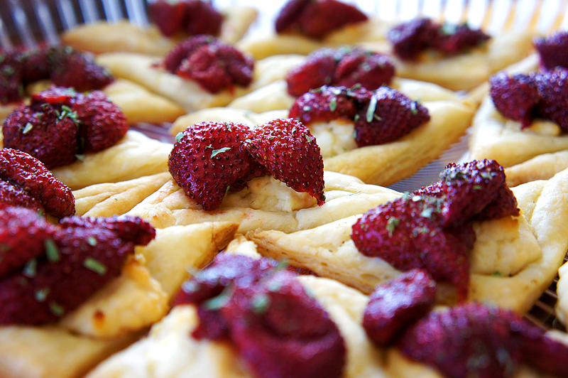 Roasted Strawberry and Goat Cheese Squares