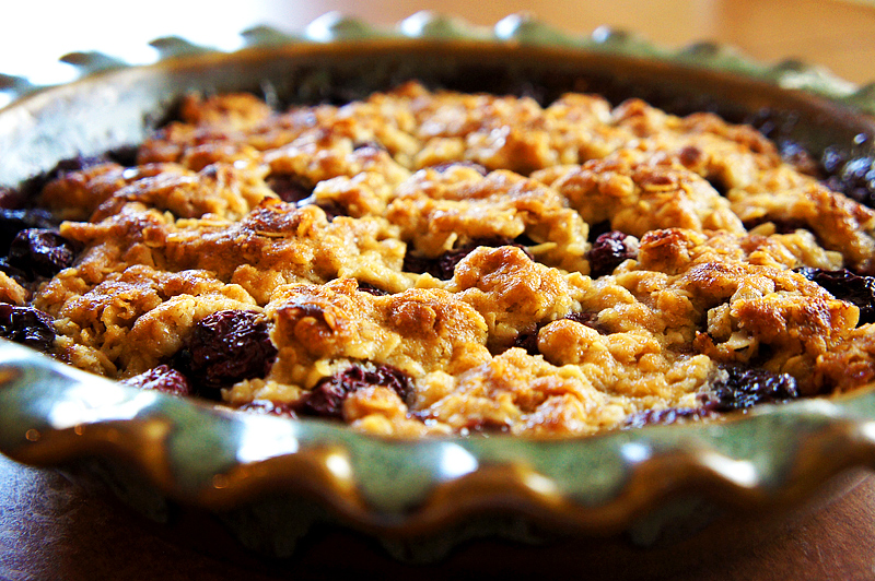 Cherry Pie with Crumb Topping