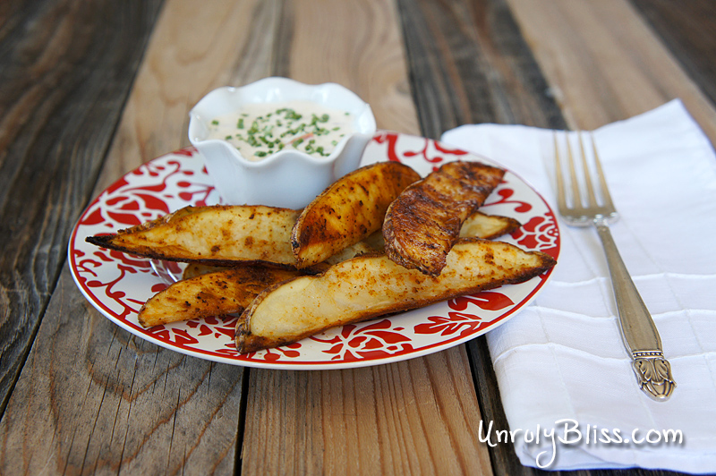 Chili Potato Wedges with Creamy Jalapeno Dip from UnrulyBliss.com
