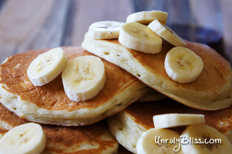Banana Pancakes {Made with Chobani's Banana Greek Yogurt} from UnrulyBliss.com