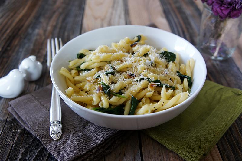 Pasta with Lemon Butter Garlic Sauce